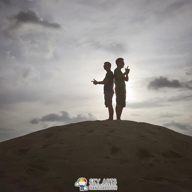 Mr. and still, Mr. Smith - Padang Pasir Klebang