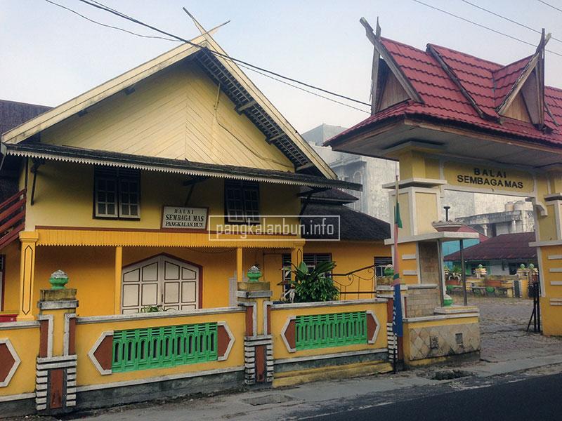 sejarah kabupaten kotawaringin barat