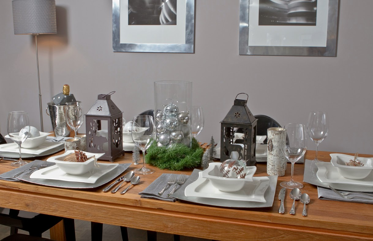 A modern chalet chic table decor pearls caramel for Modern tabletop accessories
