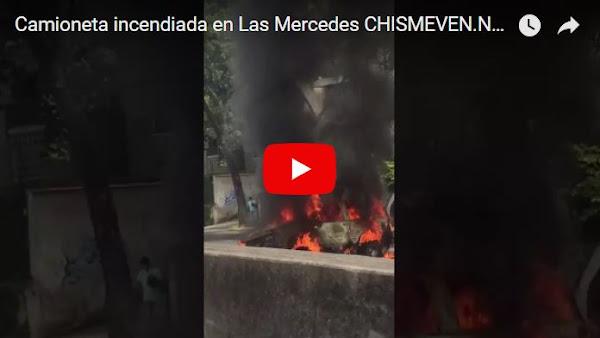 Se incendia camioneta en Las Mercedes tras despistarse por un hueco en el camino