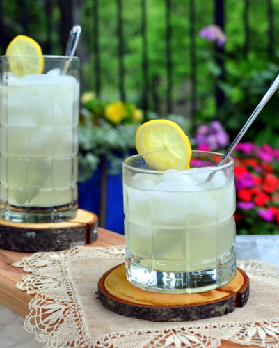 Old-Fashioned Homemade Lemonade ♥ KitchenParade.com. It's extra lemony! How? The zest infuses flavor into the sugar!