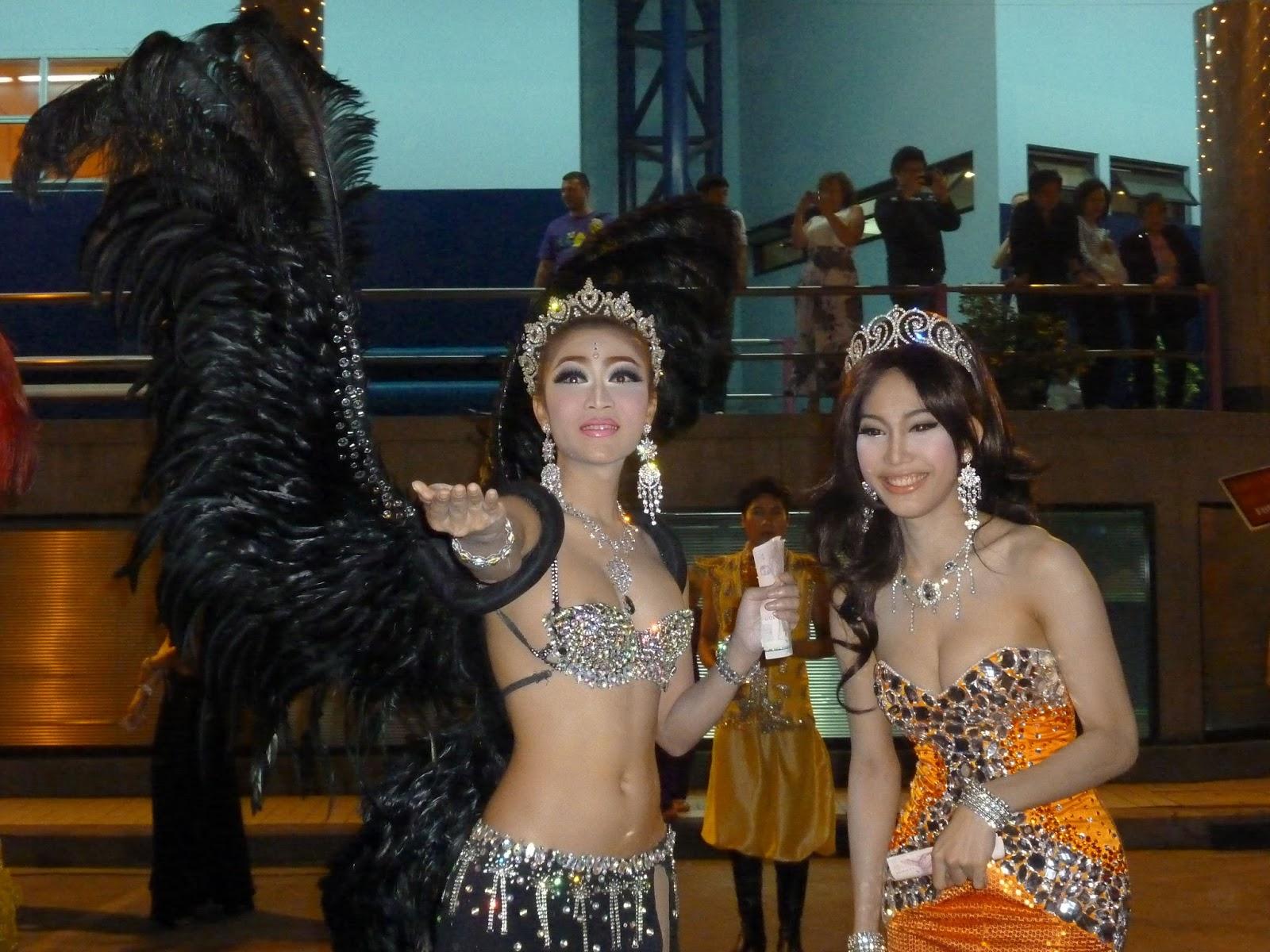 Вечер таиланд трансы фото ведь