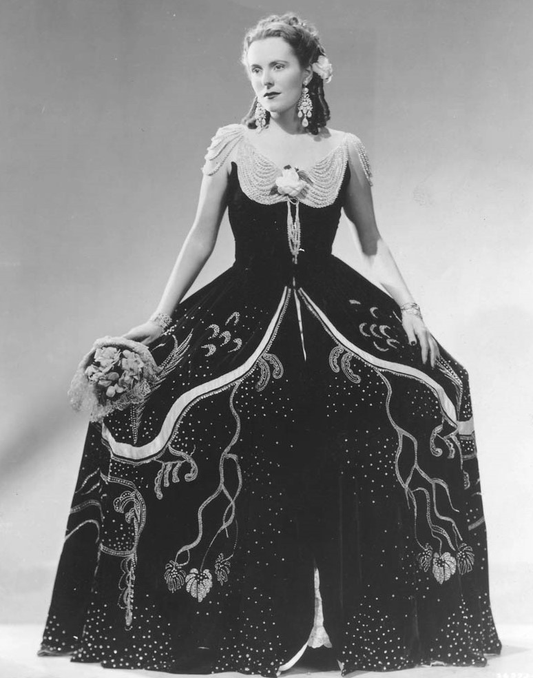 IN REVIEW: Czech soprano JARMILA NOVOTNÁ as Violetta in Giuseppe Verdi's LA TRAVIATA at The Metropolitan Opera in 1940 [Photo by Wide World Studio, © by The Metropolitan Opera]