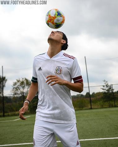 Mexico 2020 Away Kit 12