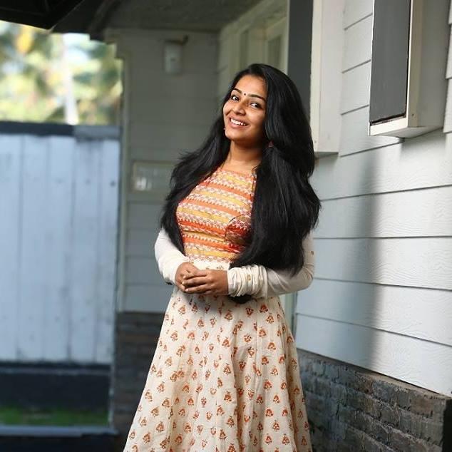 Rajisha Vijayan - Anuraga Karikkin Vellam Actress - Eli rejeesha vijayan