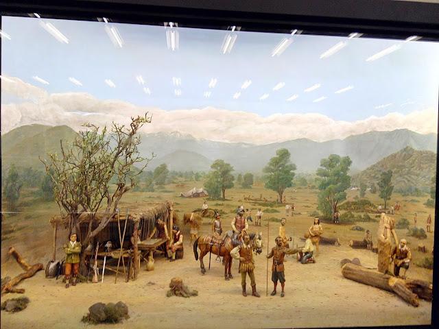 Diorama de la fundación de Santiago en metro Univerisdad de Chile de Santiago de Chile