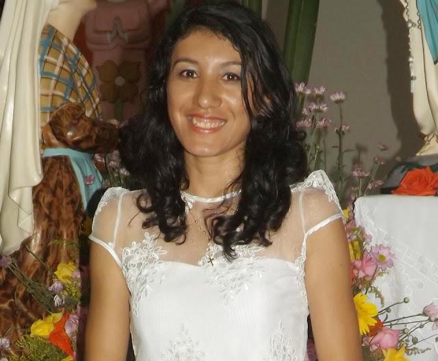 Hoje é dia de Bolo e Guaraná: Aniversário de Gilvaneide, Secretária de AE Regional !!!