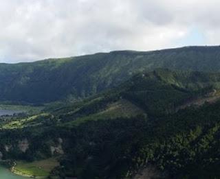 http://www.teluklove.com/2017/01/pesona-keindahan-wisata-bukit-asmara-di.html