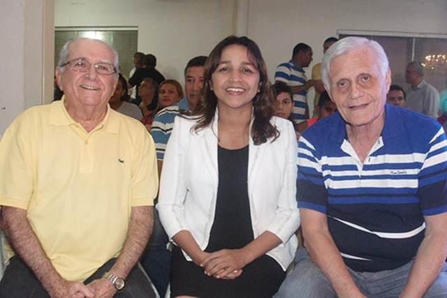 Eliziane Gama: muito mel atrai moscas para sua campanha