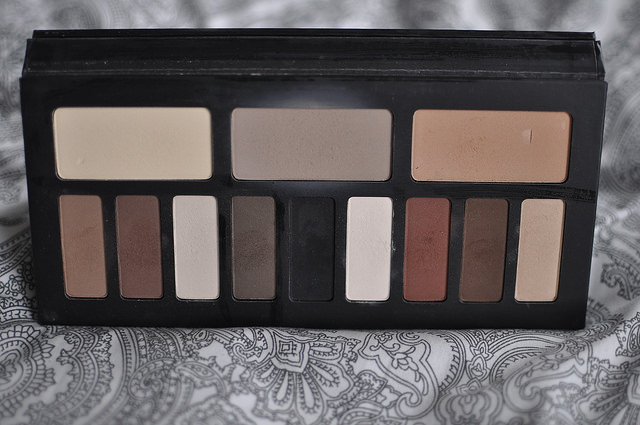 Kat Von D Shade and Light Eye Contour Palette Review