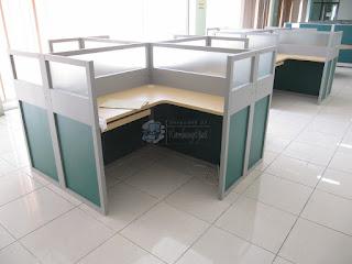 Furniture Kantor Terbaru 2019 - Meja Sekat Kantor Desain Terbaru 2019