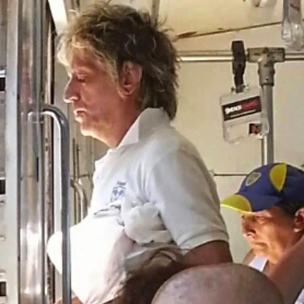 Rod Stewart no cambia su corte de cabello