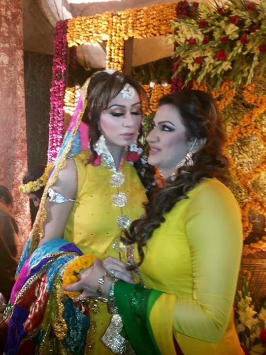 pakistani actress nargis family photos protlithunmp3