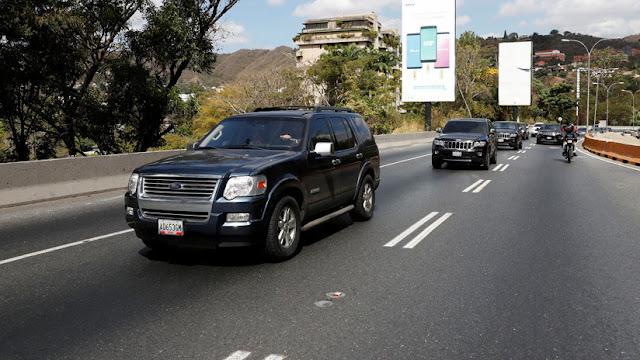 """Juan Guaidó parte en caravana hacia Cúcuta para recibir la """"ayuda humanitaria"""""""