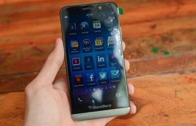 Propios paquetes del BlackBerry OS 10.2 están demostrando revelar más que sólo el nombre Z30. En primer lugar ejecutar vídeos tutoriales de una reciente fuga OS 10.2 se han extraído. Como era de esperar, los videos tutoriales de una muestra para dar a los principiantes una comprensión de cómo utilizar los gestos deslizar el dispositivo. Échales un vistazo a continuación:
