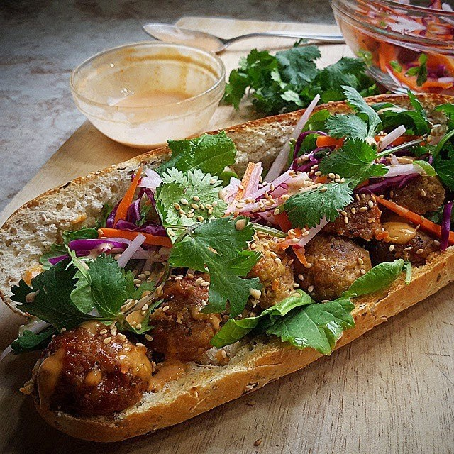 how to make vietnamese meatball sandwich