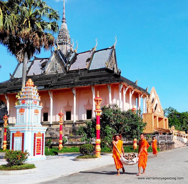 Xiem Can Pagoda, Bac Lieu - Aug 2013 - Photo Thach Sone