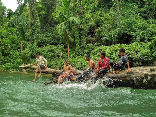 Segarr ! Menikmati Sejuknya Air Kolam Japakeh di Kaki Gunung Mata Ie Tanpa Bayar