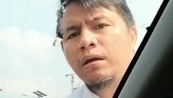 Polisi Tangkap Pengemudi Arogan yang Naik Kap Mobil di Tol Pancoran