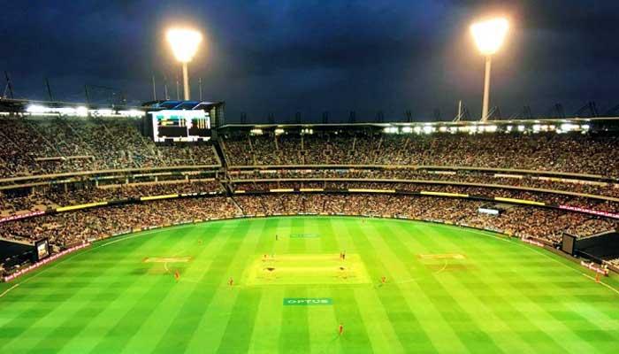 বর্তমানে বিশ্বের সবচেয়ে বড় ক্রিকেট স্টেডিয়াম অস্ট্রেলিয়ার মেলবোর্ন ক্রিকেট স্টেডিয়াম