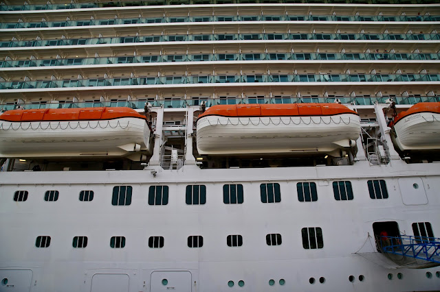 lifeboats.  Britannia, P and O cruise ship. pic: Kerstin Rodgers/msmarmitelover