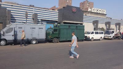 قوات الأمن تحاصر محطات المترو بعد فوضي امس