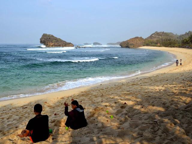 Destinasi Pantai Seru Yang Ada Di Pacitan Sebagai Tempat Wisata Keluarga