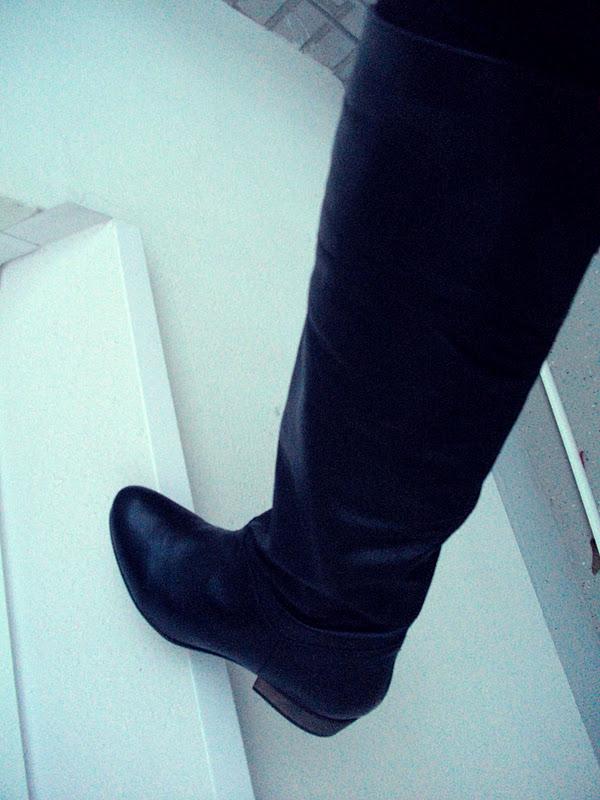 lolim te new boots to prevent the spongebob feeling