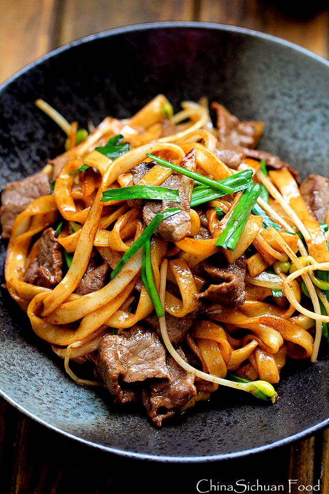 beef chow fun noodles pan fried ho fun  food