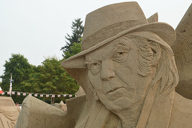 Neil Young, sculpted in sand...