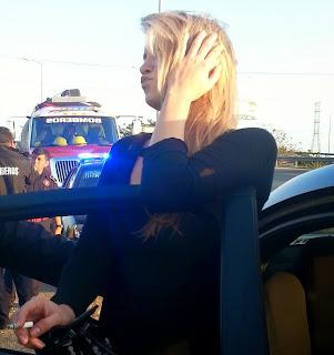 Chiste de mujer, accidente, tráfico, hombre, circulo, coche.