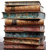 stack of books libros apilados