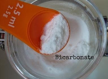 Cuillère de Bicarbonate de soude - Blog astuces beauté