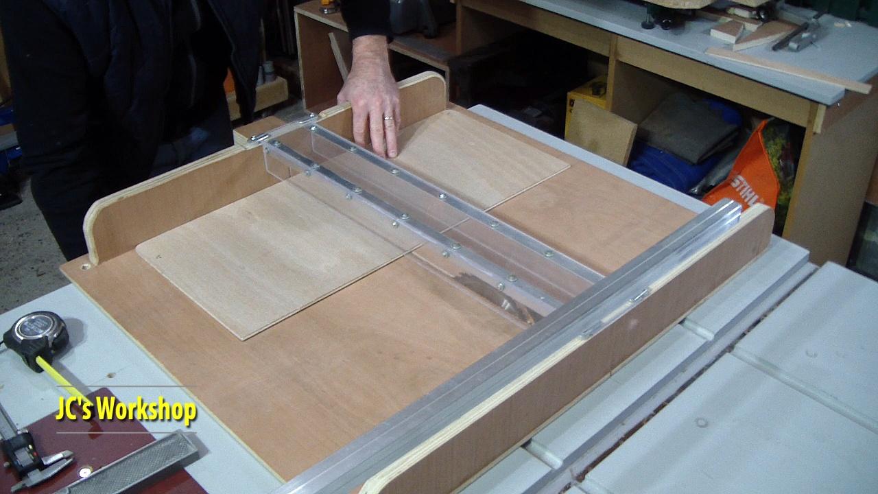Jc 39 s workshop table de scie circulaire tra neau et rails guide protection travail du bois - Guide scie circulaire ...
