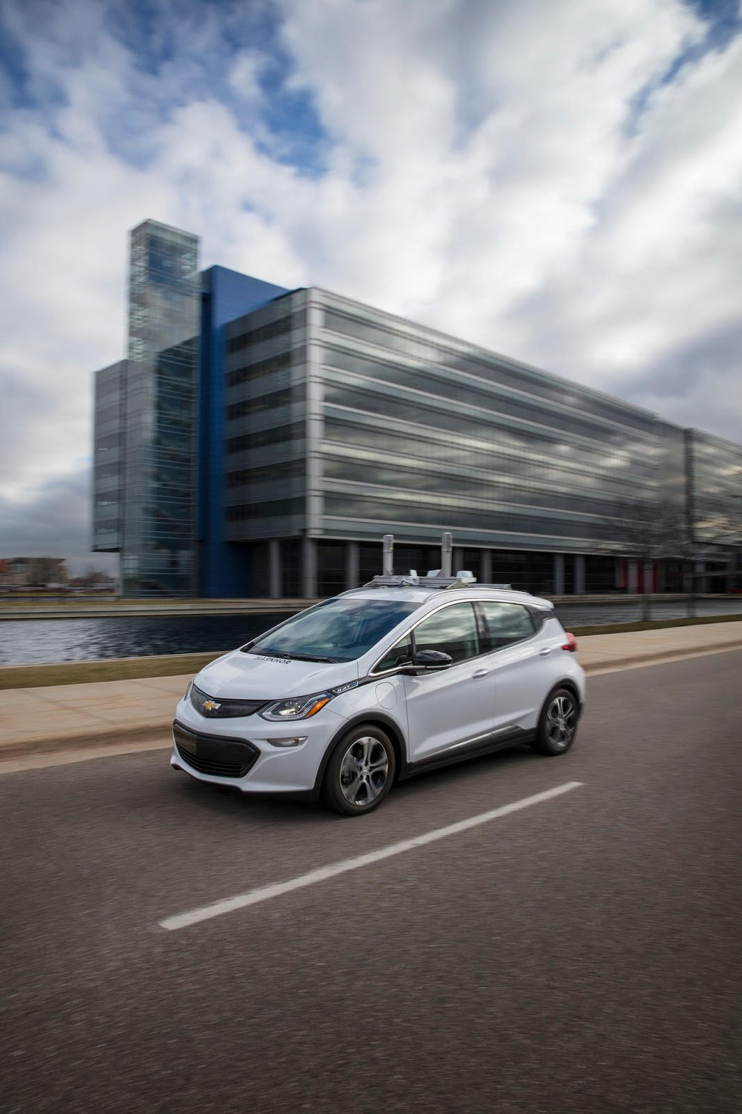 GM Ready To Release Self-Driving Bolts On The Streets Of ...