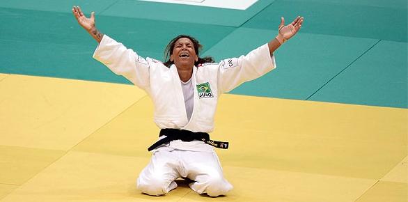 Rafaela Silva do judô ganha o primeiro ouro do Brasil no Rio