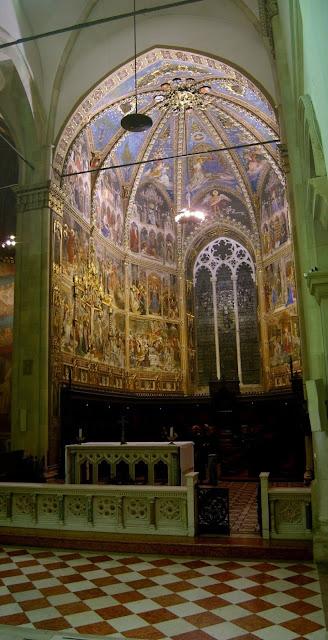 Uma das capelas da basílica da Santa Casa, em Loreto