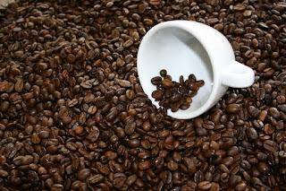 coffee 1069288 960 720 - 7 Coisas que podem te matar e você guarda em casa