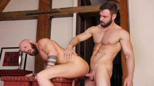 Jose Quevedo, Jay Moore – Hotblooded (Bareback)