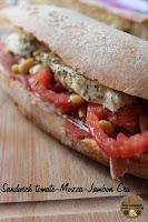 http://goulucieusement.blogspot.fr/2014/06/sandiwch-tomate-mozzarella-jambon-cru.html