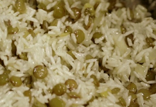Foto do arroz sírio com lentilha