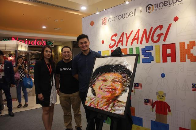 """TUN M AND TUN SITI'S  LEGO MURAL UNVEILED AT  CAROUSELL'S """"SAYANGI MALAYSIAKU"""""""