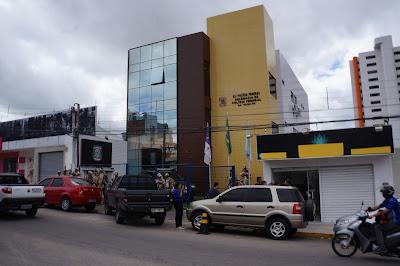Resultado de imagem para delegacia da polícia federal em caruaru