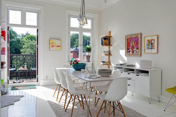 Hogares frescos acogedor apartamento lleno de colores vivos for Como decorar un apartamento moderno