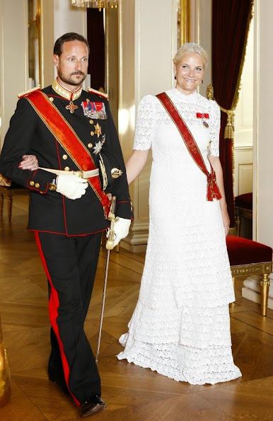 Crown Prince Haakon, Crown Princess Mett-Marit, Queen Sonja, King Harald