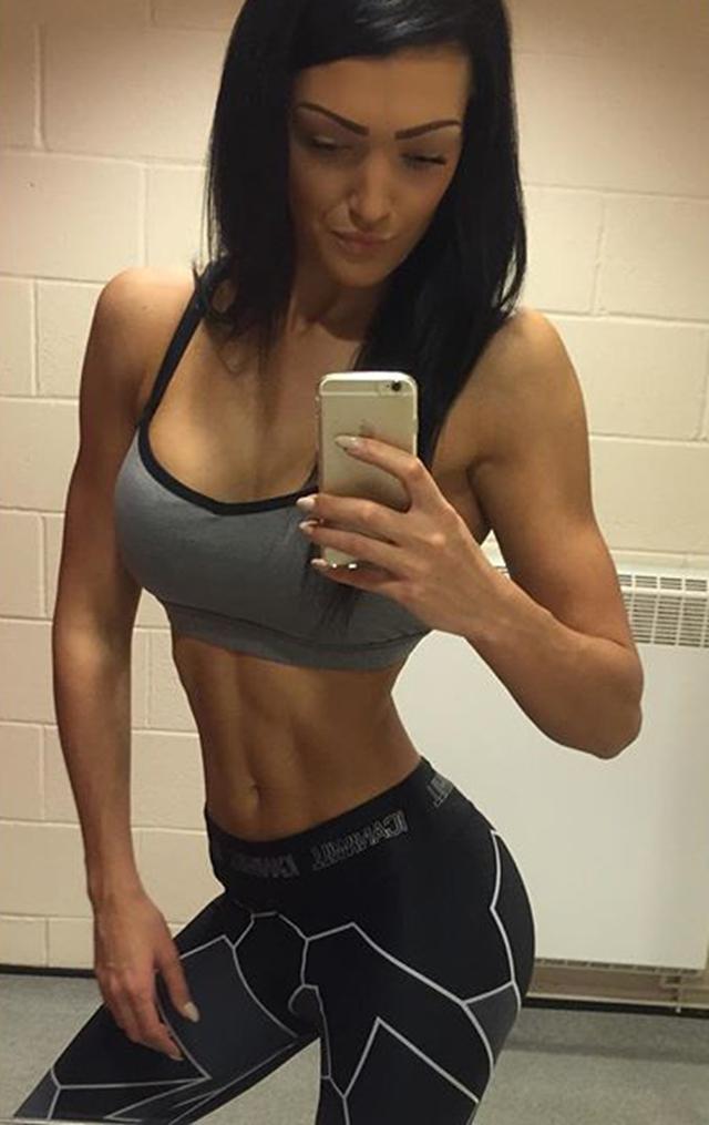 Fitness Model Emily Holland (@emilyholl92) Instagram photos
