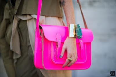 neon renkli prada çanta