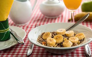 Saciado com a fibra em um plano de dieta
