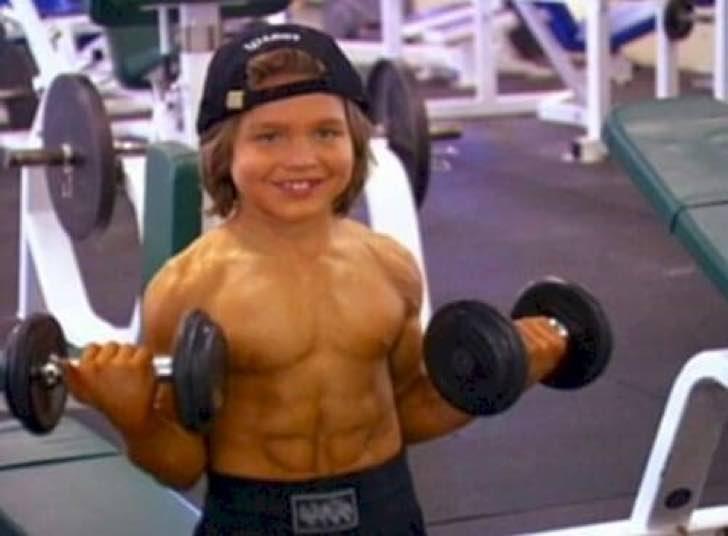 O menino mais forte do mundo pequeno hrcules altavistaventures Images