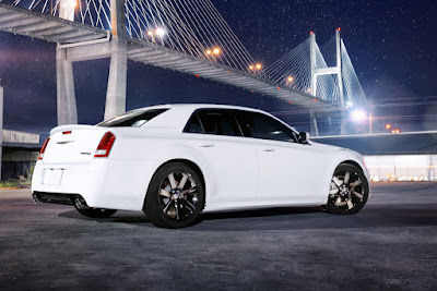 2016 Chrysler 300 side look Hd Photos 0